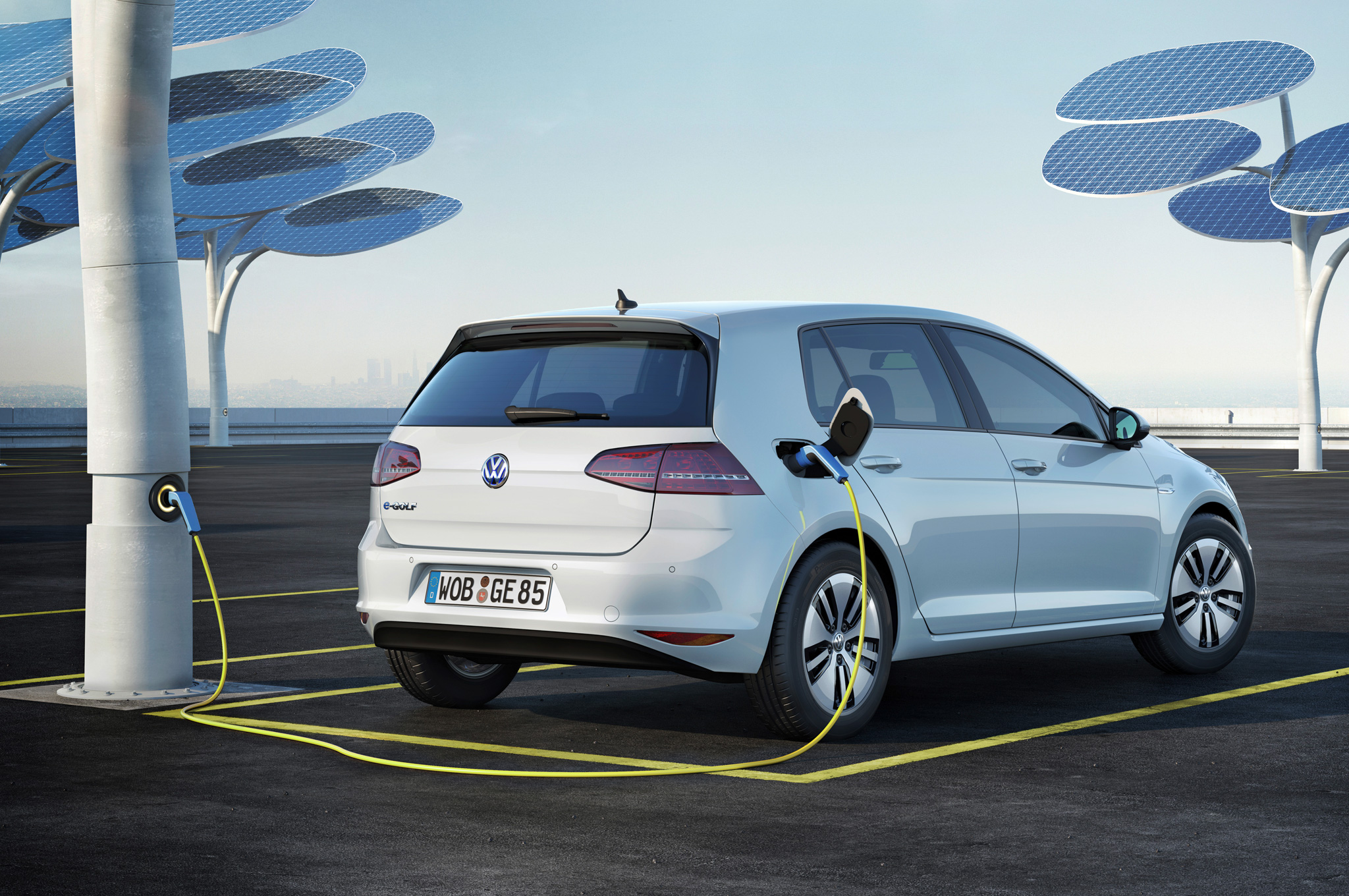 an electric vehicle is amortized over three years and a half etecnic